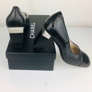 Chanel Logo Black/Silver Pump US 9